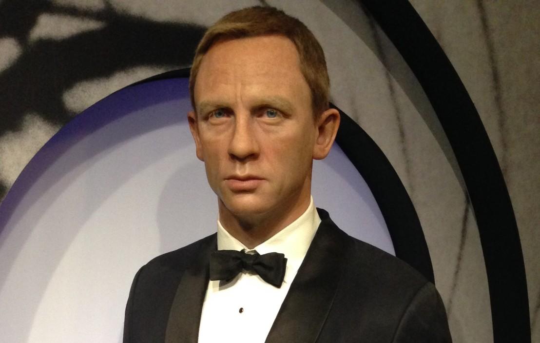 James_Bond_(Daniel_Craig)_figure_at_Madame_Tussauds_London_(30318318754)