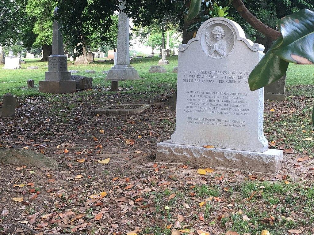 1024px-Tennessee_Children's_Home_Society_Memorial_Marker,_Elmwood_Cemetery,_Memphis,_2015
