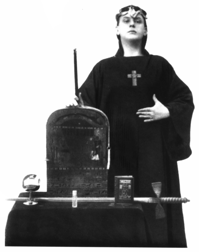 800px-Aleister_Crowley,_Magus