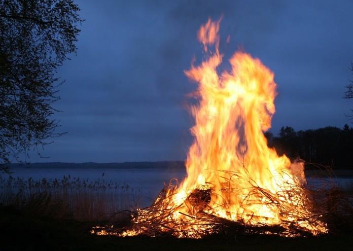 fire-123784_1280